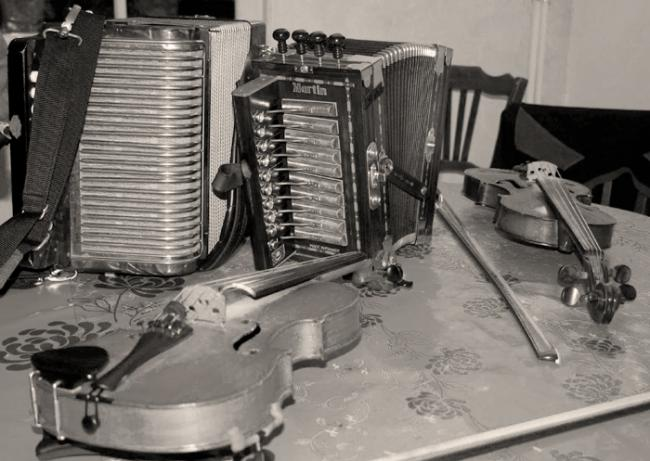 cajun-instruments-1.jpg